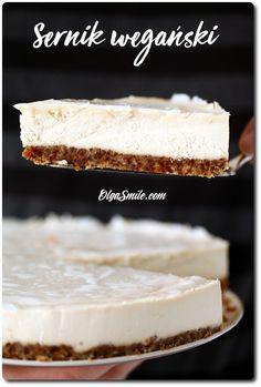 SERNIK WEGAŃSKI Hoho, powiem tak, sernik wegański na zimno, z nerkowców, raw jest cudowny i już. Sernik wegański pokazywałam już tyle razy, że ciągle dziwie się, że jeszcze tyle przepisów może u mnie w kuchni powstać. Raw Cake, Vegan Cake, Vegan Recipes, Cooking Recipes, Wonderful Recipe, Vegan Sweets, Vegan Food, Kakao, Cheesecake