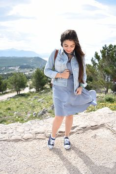 Breathtaking Dubrovnik: A Photo Diary // windy spring travel outfit