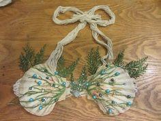 Picture of DIY Mermaid Shell Bra Little Mermaid Birthday, Little Mermaid Parties, The Little Mermaid, Blonde Halloween Costumes, Couple Halloween Costumes For Adults, Couple Costumes, Group Costumes, Halloween Party, Mermaid Shell Top