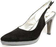 #Sandale habillée de marque Pierre Cardin sur une jolie semelle à patin. Bride réglable du 42 au 45, #chaussure, #chaussurefemme , #grandetaille, #grandepointure, #femme, #mode  , #talonhaut, #talonaiguille, #gay, #travesti, #sexy