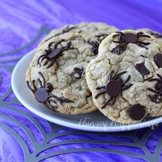 Hungry Happenings: Creepy Halloween Dessert - Spider Infested Chocolate Chip Cookies