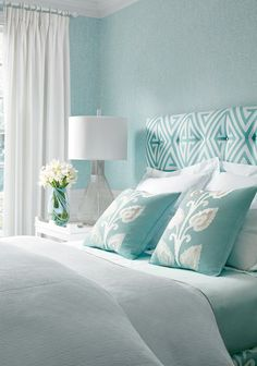 Turquoise and white. Dreamy sleeping and the prettiest of rests. #bedroom #wallpaper