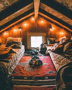 A cozy cabin bedroom in the forest. Tiny House Cabin, Cabin Homes, Log Homes, Tiny Houses, Small Log Cabin, Cozy House, Attic Bedrooms, Cabin Bedrooms, Hippie Bedrooms