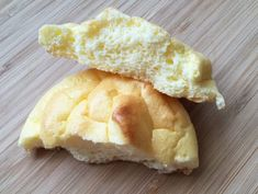 Pain Nuage Léger et Sans Farine WW – Plat et Recette Light and flourless cloud bread WW, recipe for tasty light bread without fat and flour, easy and simple to prepare. 4 Ingredient Recipes, No Carb Recipes, Low Carb Chicken Recipes, Low Carb Dinner Recipes, Bread Recipes, Köstliche Desserts, Low Carb Desserts, Pan Nube, Healthy Low Carb Dinners
