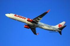 Lion Air PK-LJF, This Lion Air's Boeing 737-900ER is departing from Surabaya Juanda airport, bound for Jakarta.