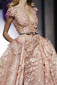 Zuhair Murad Spring Summer 2015 Haute Couture-the petals look like they are almost part of her skin Top Wedding Dresses, Wedding Dress Trends, Wedding Gowns, Bridal Dresses, Lace Wedding, Prom Dresses, Couture Fashion, Fashion Show, Fashion Design