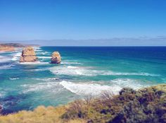 The most mesmerising shade of blue I have ever seen. SubHanAllah.  #throwback #melbourne #trip #2014 #12apostles #greatoceanroad #pacific #blue #aqua #colours #amazing #downunder by g.bakhtiar http://ift.tt/1ijk11S