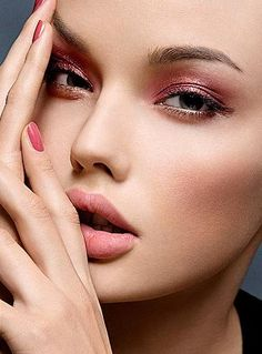 Makeup brushes tutorial click here ... https://www.youtube.com/watch?v=kChUkGQxxJs #makeup #makeupbrushes #realtechniques