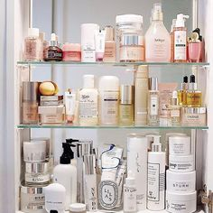 Admit it, your medicine cabinet is kind of a mess. Tap the link in our bio for advice from beauty editors on how to spring clean your beauty stash! (Your morning routine will thank you.) Photo by @carolyn_hsu #SOdomino