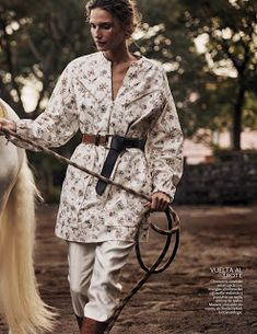 """Aire de Vida"" Cate Underwood for Vogue Mexico December 2016"