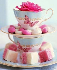 Adorable way to display your Tea treats!  Source: www.uniquelyella.blogspot.com