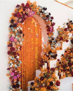 Diy Design, Floral Design, Wedding Colors, Wedding Flowers, Our Wedding, Dream Wedding, Minimalist Wedding Decor, Indian Wedding Decorations, Flower Wall