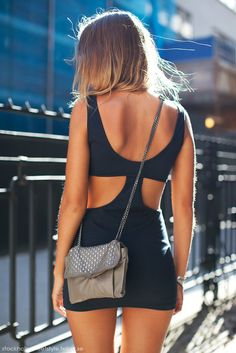 perfect summer LBD.. if only it was a little longer