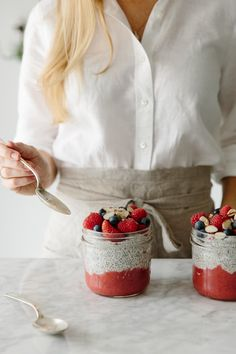 How to Make Chia Seed Pudding (vegan, paleo). A quick step-by-step video tutorial.