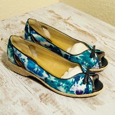 Open toe flower low heels Open toe flower low heels, brand new, never worn, New with box Soft Spots Shoes Heels