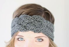 Make your own crocheted knotcreationwith this free crochet headband pattern! The project takesless than one skein of yarn and works up super quickly.
