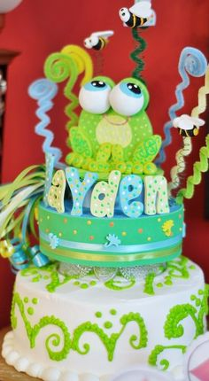 frogs theme birthday party original cake topper from www.kharygoart.com