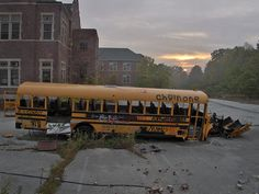 abandoned school bus at Pennhurst State School and Hospital Apocalypse Aesthetic, Post Apocalypse, Abandoned Buildings, Abandoned Places, Abandoned Cars, Writing Inspiration, Story Inspiration, Creative Inspiration, Zombies