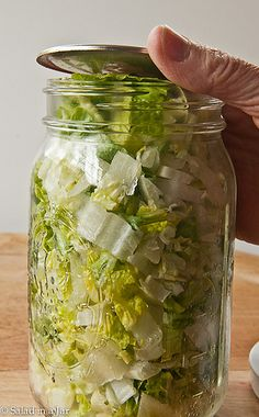 Terrific No Cost Why Won't My Lids Seal When I Vacuum-Pack in Mason Jars? Thoughts Just about the most vital problems in your kitchen is food storage space methods. For millennia, h Mason Jar Meals, Mason Jar Lids, Canning Jars, Canning Recipes, Juicer Recipes, Salad Recipes, Mayonnaise, Chutney, Rum