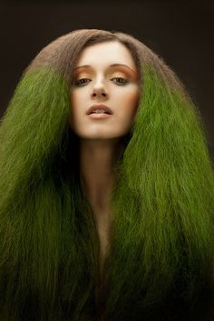 Green and grey hair. Who thought hair that looks like a dying shrub was a good idea? My Hairstyle, Cool Hairstyles, Avant Garde Hair, Corte Y Color, Natural Hair Styles, Long Hair Styles, Fantasy Hair, Crazy Hair, Green Hair