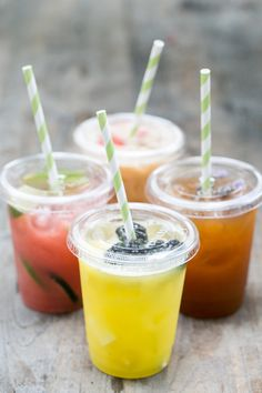 4 Delicious Agua Fresca Recipes and Bar - Sugar and Charm - sweet recipes - entertaining tips - lifestyle inspiration Sugar and Charm – sweet recipes – entertaining tips – lifestyle inspiration Refreshing Drinks, Summer Drinks, Mexican Food Recipes, Sweet Recipes, Mexican Dishes, Fresco, Agua Fresca Recipe, Smoothies, Fresh Fruit