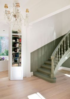 ▷ 1001 + ideas and tips for a redesigned painted staircase - - Cheap Renovations, Renovation Budget, Staircase Makeover, Staircase Ideas, Painted Stairs, Basement Stairs, Paris Apartments, Stairways, New Homes