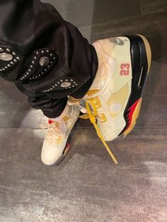 Sneakers Fashion, Fashion Shoes, Shoes Sneakers, Swag Shoes, Shoes Gif, Nike Air Shoes, Aesthetic Shoes, Hype Shoes, Dream Shoes