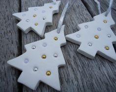 4 x Navidad arcilla adornos con campana por MYMIMISTAR en Etsy
