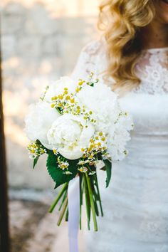 Chamomile and Peony Bouquet | Les Amis Photography on @fabyoubliss via @aislesociety