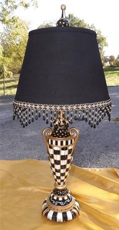 Mackenzie Childs style table lamp courtly check - Tips Home Decor Whimsical Painted Furniture, Painted Chairs, Hand Painted Furniture, Funky Furniture, Furniture Makeover, Mackenzie Childs Furniture, Solar Licht, Mackenzie Childs Inspired, Mckenzie And Childs
