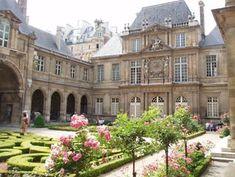 Hotel Carnavalet, Paris. Designed by Francois Mansart c1560.