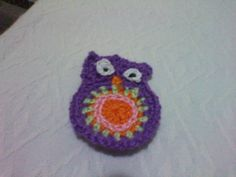 Búho pequeño de crochet.