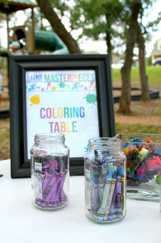 Art Party coloring table - good idea to separate the colors into individual jars! Crayon Birthday Parties, Rainbow Birthday Party, 18th Birthday Party, Art Birthday, Birthday Party Themes, Birthday Ideas, Crafts For Birthday Parties, Art Themed Party, Rainbow Parties