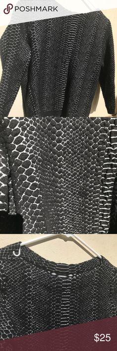 WORTHINGTIN SWEATER black and grey Worthington sweater with 3/4 sleeves and heavy fabric Worthington Tops Blouses