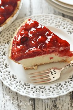 Simple Cherry Cheesecake Pie - Cool, creamy, lemony cheesecake filling on a graham cracker crust, topped with sweet cherry topping. Whip up this simple cherry cheesecake pie in next to no time and with just as little effort. Cherry Cheesecake Pie, Easy Cheesecake Recipes, Pie Recipes, Dessert Recipes, Cheesecake Desserts, Simple Cheesecake, Classic Cheesecake, Cherry Recipes, Pumpkin Cheesecake