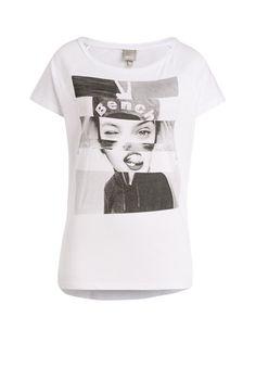 Mit diesem ausgefallenen T-Shirt lassen sich die besten Casual-Looks kreieren, in denen Sie sich einfach nur wohlfühlen können und entspannt in den Alltag starten. - weiß von BENCH bei OUTLETCITY.COM bestellen.