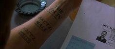 Memento di Christopher Nolan, 2000 - creazione di una memoria non reale -