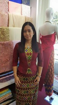 Batik Fashion, India Fashion, Batik Dress, Blouse Dress, Traditional Dresses Designs, Myanmar Dress Design, Myanmar Traditional Dress, Indian Skirt, Ethnic Dress