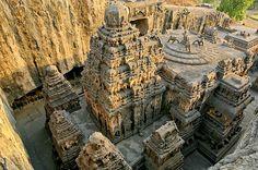 Hace miles de años, los constructores de los templos y cuevas de Ellora demostraron habilidad...