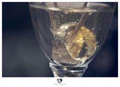 #ring #weddingring #wedding #groom #bride #braut #bräutigam #geschenk #present #love #forever #fuerimmer #engagement #engagementring #verlobung #verlobungsring #silver #gold #sekt #champagner #glas #sektglas