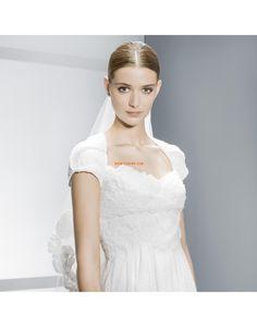 Hovilaahus Huppu Hienostunutta ja ylellistä Halvat Hääpuvut Bridal Gowns, Wedding Gowns, Wedding Day, Jesus Peiro, Cheap Wedding Dress, Real Weddings, One Shoulder Wedding Dress, Wedding Planning, Wedding Inspiration
