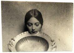 Rosa Covarrubias -  Tina Modotti