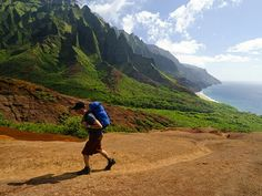 Top 10 Things to Do in Hawaii  http://travel.nationalgeographic.com/travel/top-10-things-to-do-in-hawaii/?sf7998225=1