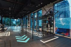 Neoflex Premium Gym Tiles at BASE Bangkok in Thailand. BASE Bangkok is a fitness studio that combines HIIT, Crossfit and strength training to create an hollistic training regime for its members. Crossfit Equipment, Gym Lighting, Window Display Retail, Gym Interior, Home Gym Design, Local Gym, Gym Decor, Gym Room, Garage Gym