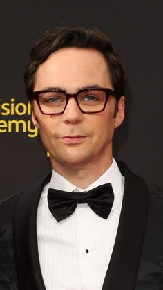 Jim Parsons attends the 2019 Creative Arts Emmy Awards on September 2019 in Los Angeles, California Big Bang Theory Quotes, The Big Band Theory, Johnny Depp Movies, Jim Parsons, Nick Miller, Book Boyfriends, Mayim Bialik, Bigbang, Movies And Tv Shows