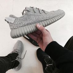adidas Yeezy Boost 350 Moonrock (Release Date) - EU Kicks: Sneaker Magazine Grey Shoes, Cute Shoes, Me Too Shoes, Men's Shoes, Shoes Men, Adidas Boost, Olive Green Shoes, Basket Style, Sneaker Trend