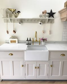 DIY - Making Shaker Peg Shelves - Roses and Rolltops Cosy Kitchen, Small Cottage Kitchen, Open Plan Kitchen Living Room, Home Decor Kitchen, Kitchen Interior, New Kitchen, Kitchen Layout, Kitchen Ideas Victorian Terrace, Victorian Kitchen