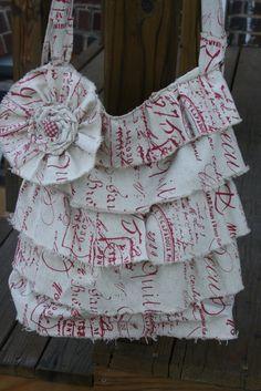Cute ruffled bag!  Love the fabric, too!