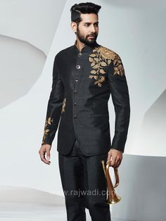 Shop for designer suits for men online.We bring you huge collection of designer suits with various colour, fabric, designs etc. Wedding Dresses Men Indian, Wedding Dress Men, Wedding Men, Wedding Suits, Mens Wedding Wear Indian, Wedding Engagement, Wedding Black, Casual Wedding, Indian Men Fashion