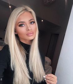 Human hair lace front real quality human hair wigs for caucasian Auburn Blonde Hair, Platinum Blonde Hair Color, Bleach Blonde Hair, Blonde Hair Shades, Light Blonde Hair, Blonde Hair Looks, Blonde Hair With Highlights, Balayage Hair Blonde, Brown Blonde Hair